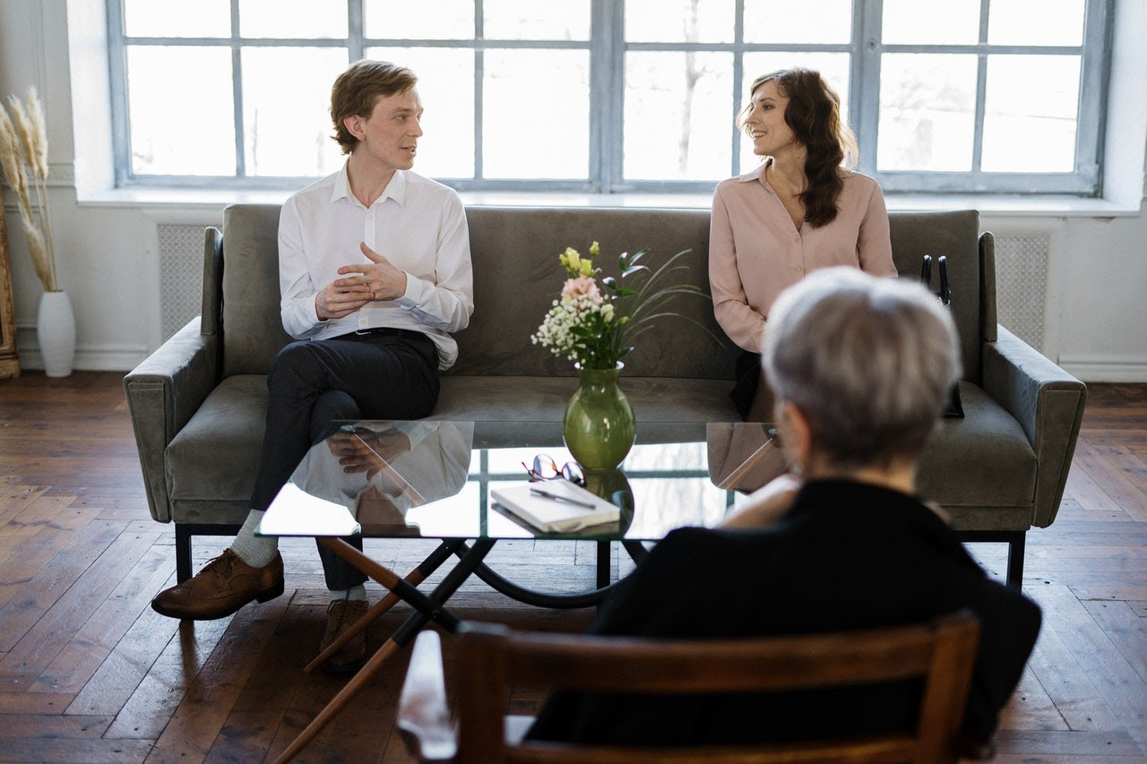 couples has questions to ask a therapist